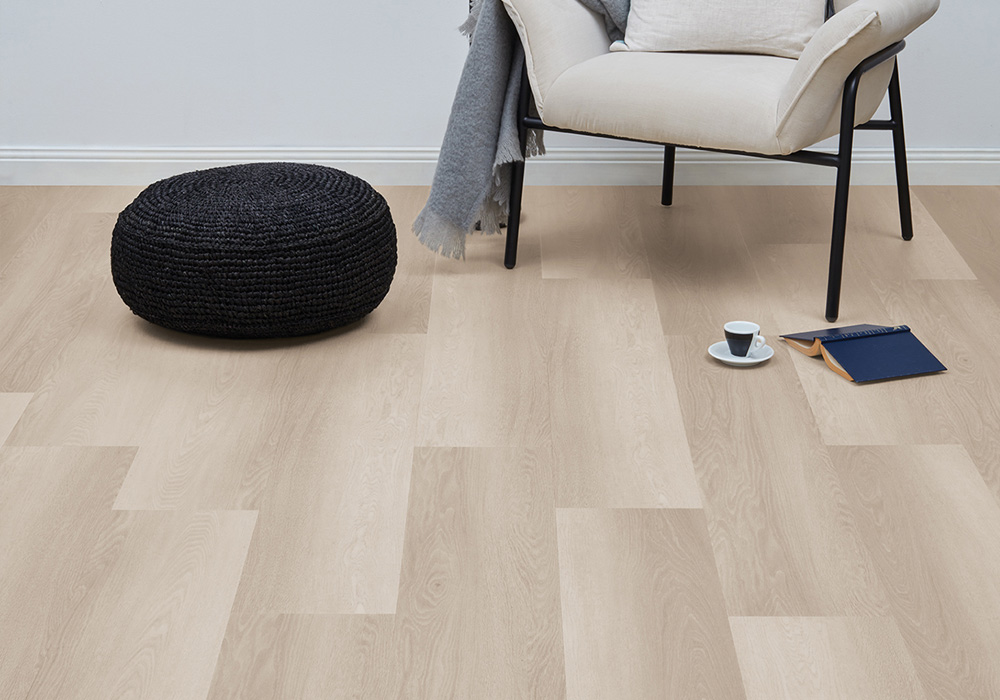 Heartridge Smoked Oak Luxury Flooring in Nordic Beech Colour Variety